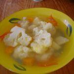 Květáková polévka se zeleninou
