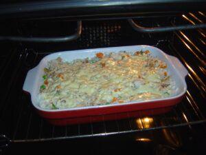 Rizoto s kuřecím masem a zeleninou v troubě
