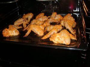 Smažená kuřecí křídla v troubě - pikantní verze
