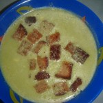 Hrachová polévka z mraženého hrášku